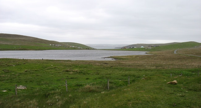 Loch of Housetter