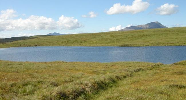 Loch Mhoalach-coire Loch Gillaroo